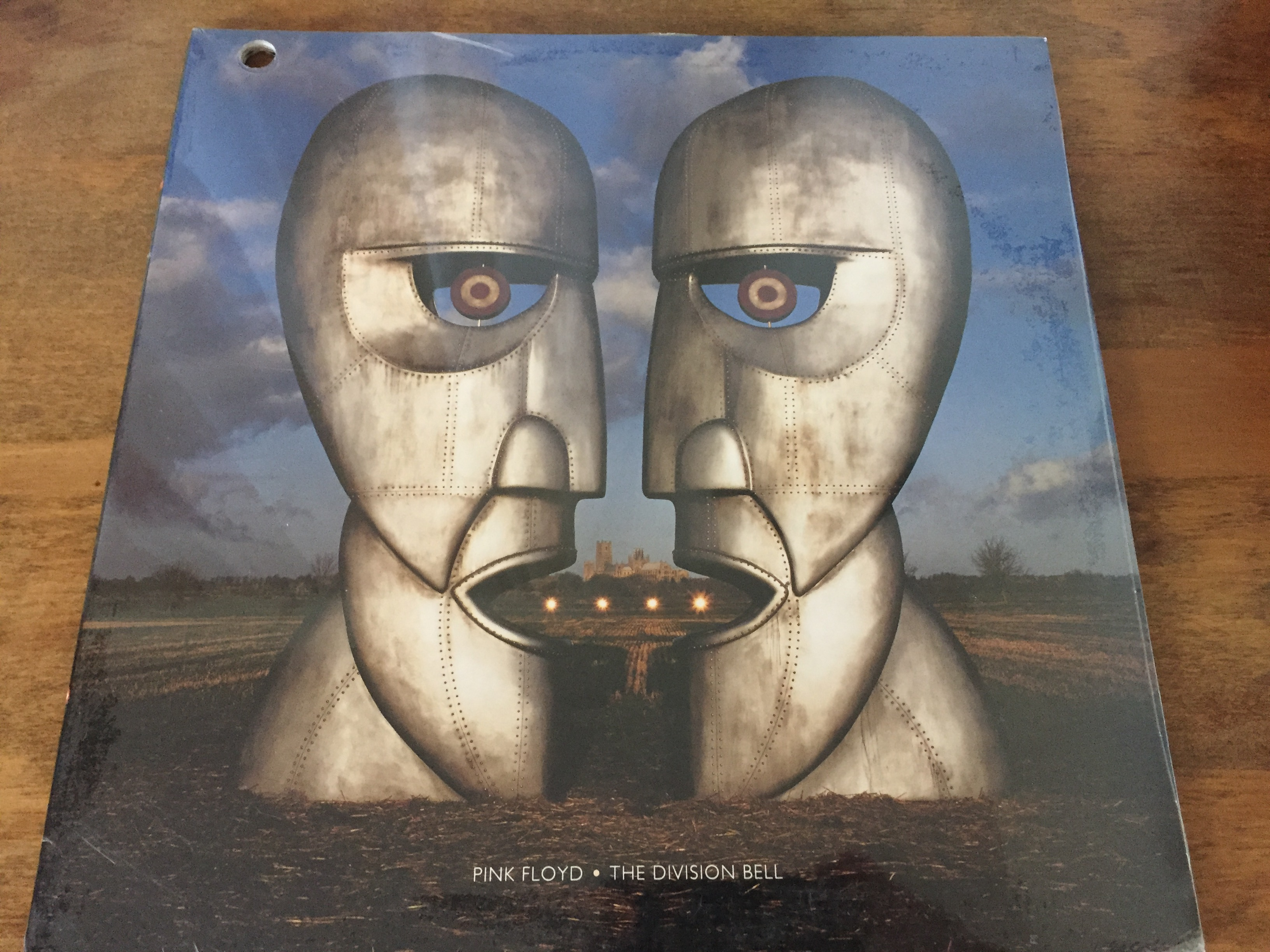 an analysis of album of oink floyd Pink floyd's last studio album was 1994's the division bell in july 2005, the group, waters included, performed at the london live 8 concert both waters and gilmour have continued to pursue solo careers, occasionally joined by nick mason or rick wright or both to perform music from the band's.